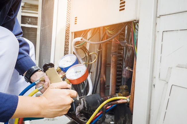 How Hiring A Qualified  AC Repair Technician Saves You Money